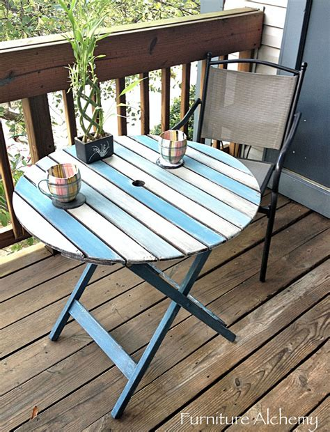 chalk paint outdoors hometalk patio table chalk paint makeover