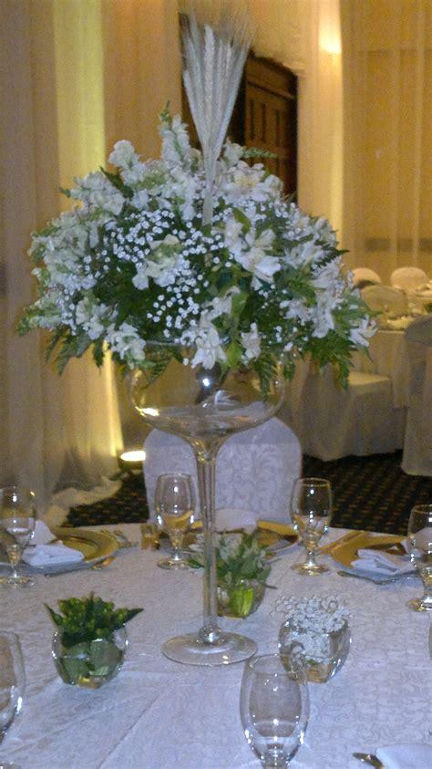 decoracion de mesas para comuniones centros de mesa comunion arreglos de comunion