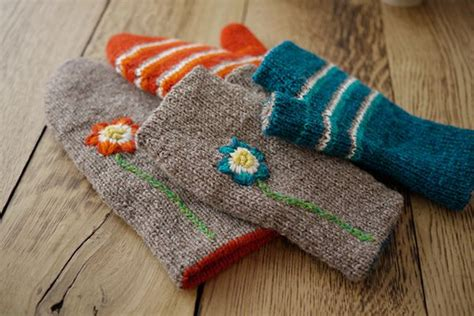 how to embroider on knitted projects 423 best just mitts images on knit mittens