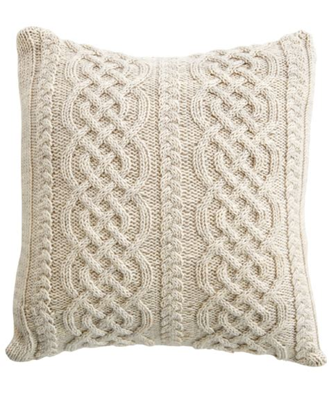 how to knit a pillow how to knit an aran pillow with a celtic design knit