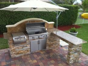 outdoor kitchen roof ideas best 25 outdoor kitchens ideas on patio shed