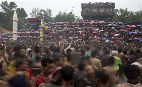 festival in india 2016 image of asia in the mud at farm festival in