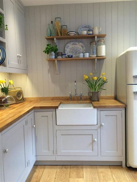 country cottage kitchen design 17 best ideas about light grey kitchens on