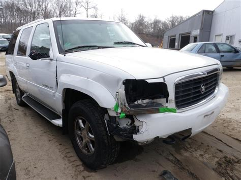 Cadillac Replacement Parts by 1999 Cadillac Escalade 4wd Quality Used Oem Replacement