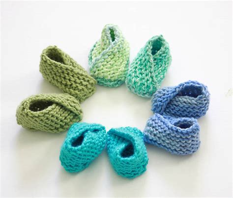 easy things to knit easiest baby booties knitting pattern michele