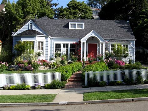 cottage style homes landscaping tips that can help sell your home hgtv