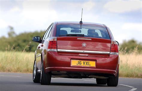 Vauxhall Vectra Hatchback 2005 2008 Driving