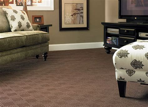paint colors with brown carpet 25 best ideas about brown carpet on