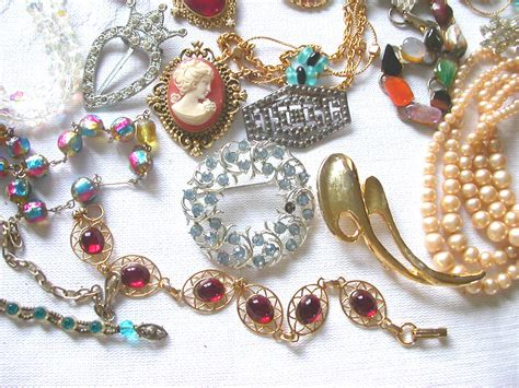 costume jewelry calaveras coin pawn gold silver buyers calaveras