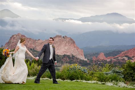 Garden Of The Gods Fall A Colorful Garden Of The Gods Wedding Colorado Weddings