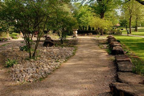 Der Garten Duden by Der Park Der Vier Jahreszeiten In Bad Hersfeld Garten Wissen
