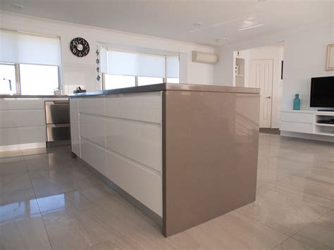 White Kitchen Island With Natural Top modern quot shadowline handle less style quot with 40mm p r edge