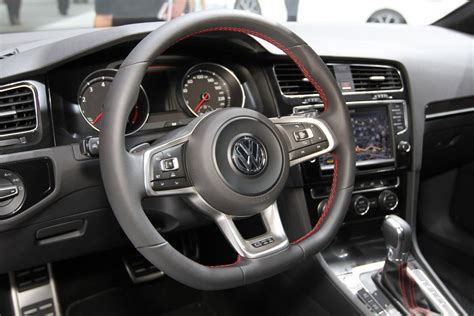 interieur volkswagen golf 7 gti 2013 parijs carblogger
