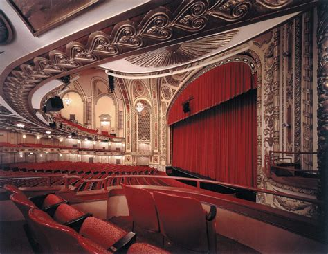 Cadillac Theatre Box Office by Cadillac Palace Theatre Broadway In Chicago