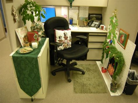office decoration themes small home office cubicle decoration green theme