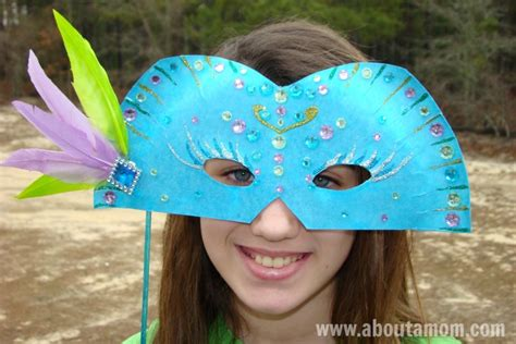 paper plate mask craft mardi gras mask paper plate craft