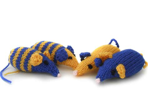 how to knit a mouse cat knitted catnip mice saga