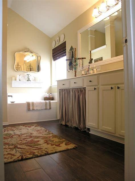 bathroom looks tile that looks like wood wood look tile bathroom floor