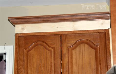 attaching crown moulding kitchen cabinets attaching crown molding to kitchen cabinets imanisr