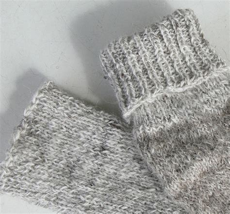 knit cast learn to knit the simple knitted cast on method