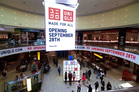 Garden State Plaza Inside Out Uniqlo Westfield Garden State Plaza Mall 1
