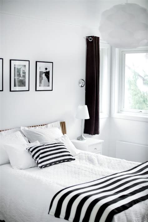 Bedroom Paint Ideas Pictures 19 traditional black and white bedroom that inspire digsdigs