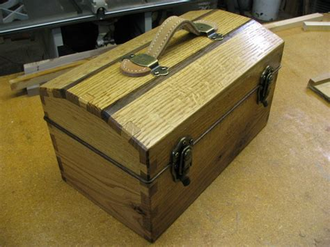 woodworking tool box cut dovetail tool box finewoodworking