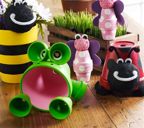 clay pot craft projects craft painting clay pot critters
