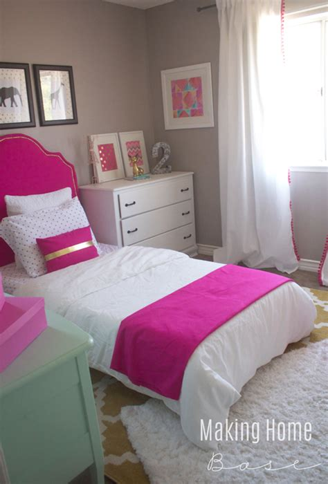 how to decorate small bedroom decorating a small bedroom for a