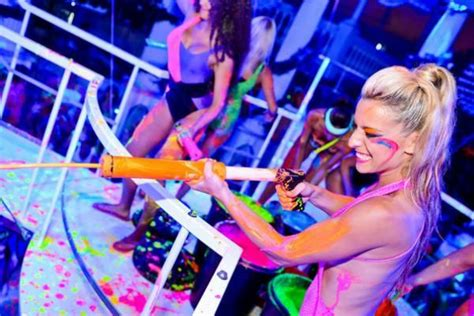 glow in the paint clubs glow neon paint ibiza es paradis glow the