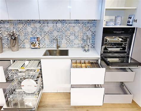 küchen mit theke 3194 sch 252 ller musterk 252 che wundersch 246 ne grifflose k 252 che mit
