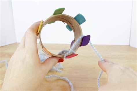 diy knitting loom 11 artsy yarn crafts for