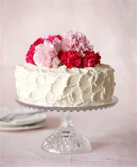 decorate a simple wedding cake handmade wedding emmaline