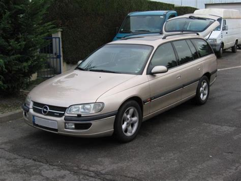 view of opel omega 2 5 d photos features