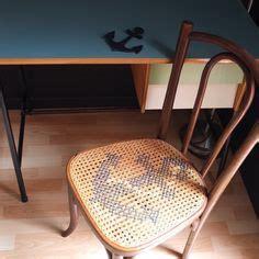 chaise de bistrot ancienne cannage et point de croix vintage magic stitchy