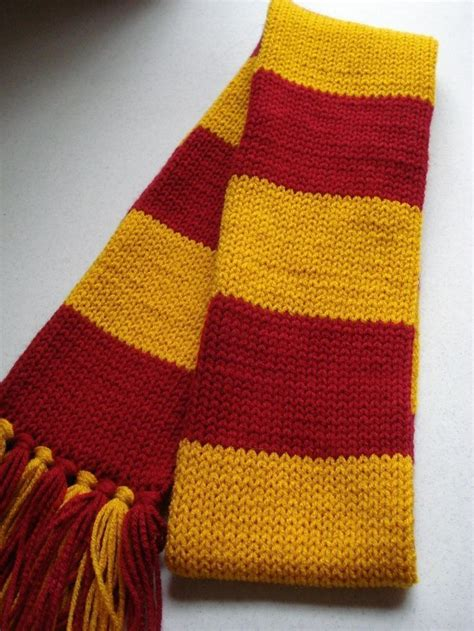 harry potter scarves knitting patterns 25 best ideas about harry potter scarf on