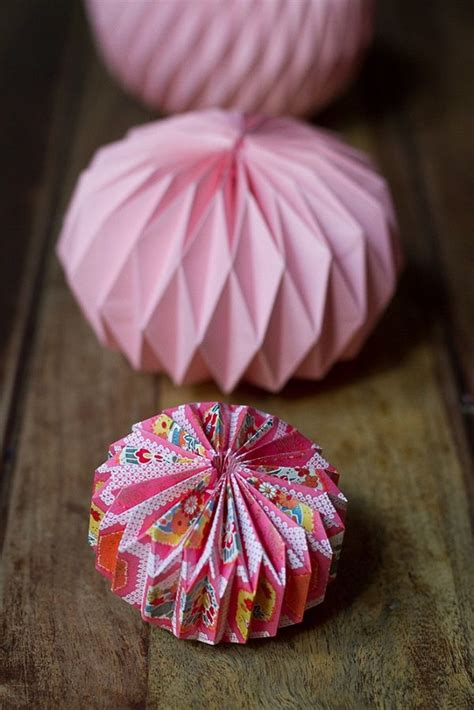 how to make origami lanterns 25 best ideas about origami lantern on