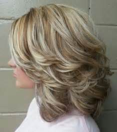 shoulder length lots of layers hair styles 22 hottest medium hairstyles haircuts you ll want to