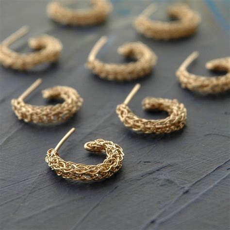 how to make wire crochet jewelry the diy wire crochet jewelry free pattern 237 que