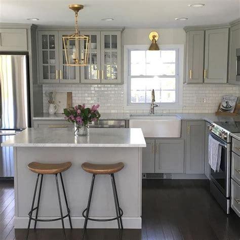 light grey kitchen 25 best ideas about light grey kitchens on