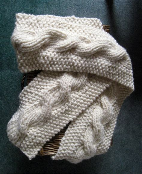 reversible cable knit pattern rosmademe the snuggly reversible cable scarf