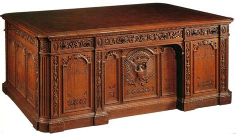 the oval office desk resolute desk white house museum