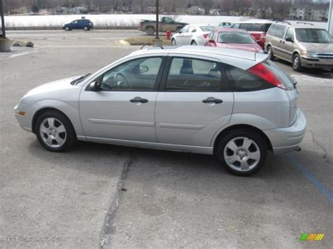 2006 Ford Focus Hatchback by Cd Silver Metallic 2006 Ford Focus Zx5 Ses Hatchback