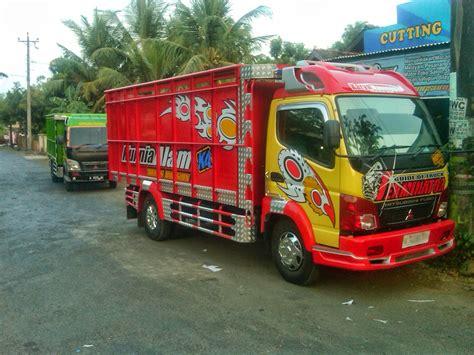 Modifikasi Mobil Truk kumpulan foto modifikasi truk indonesia terbaru