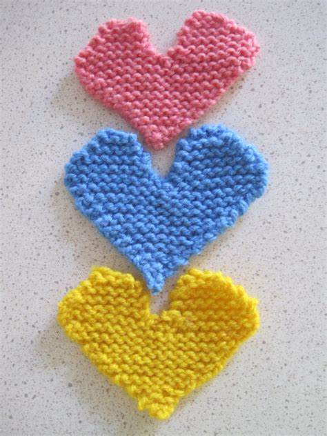 easy things to knit easy knitted hearts knit bake cultivate