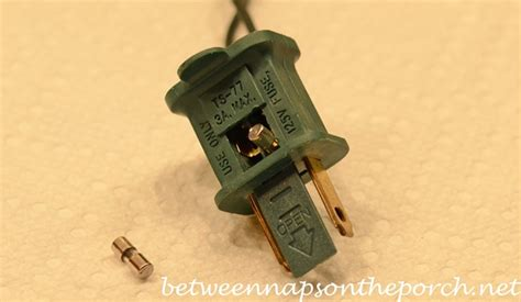 tree fuses how to repair or fix a blown fuse on your tree