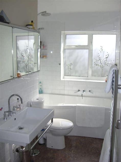 Narrow Bathroom Ideas by 1000 Ideas About Small Narrow Bathroom On