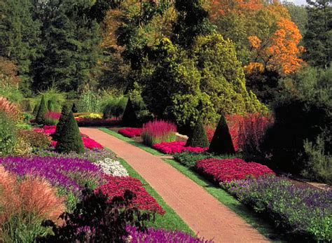 beautiful garden top 10 most beautiful gardens in the world the