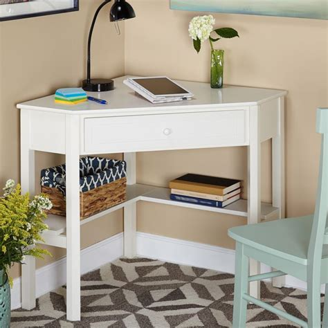small bedroom desk 25 best ideas about small corner desk on desk