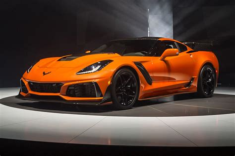 New Corvette Zr1 new corvette zr1 convertible drops 755 horses like a beast